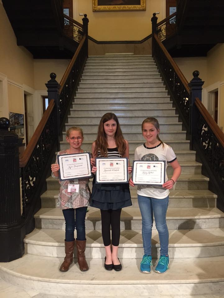 Students receive art award at the state